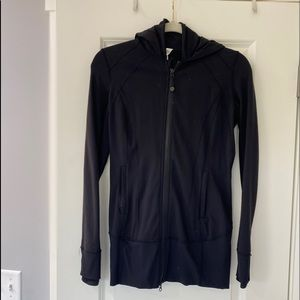 Lululemon jacket black size 6